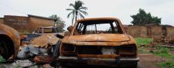 Ausgebrannte Autos in Nordnigeria